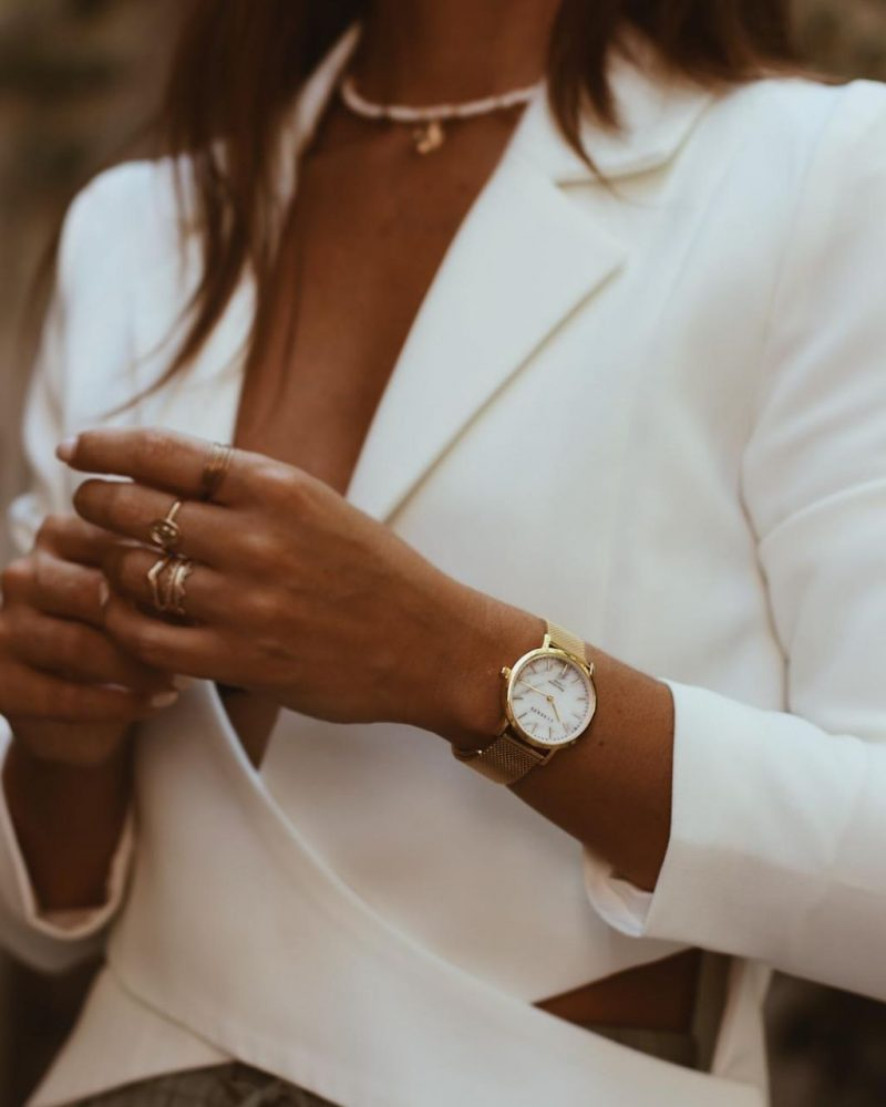 Womens-marble-watch-on-the-wrist-2